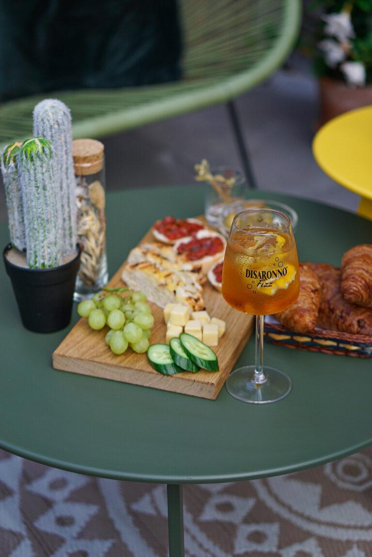 Disaronno Fizz cocktail